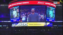 Kobe Bryant salue LeBron James en plein match
