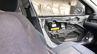 VÍDEO: ¿Has visto explotar el airbag lateral alguna vez? El sonido es brutal