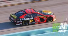 Tire mistake costs Truex a lap in championship race