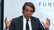 Aznar quiere alianza de partidos constitucionales, pero no liderada por Sánchez