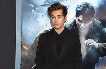Harry Styles bromea sobre un supuesto reencuentro de One Direction en 'SNL'