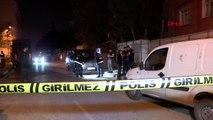Gaziosmanpaşa'da park halindeki minibüse el yapımı patlayıcı atıldı
