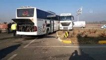 Yolcu otobüsüyle tır çarpıştı: 2 ölü (2) - AFYONKARAHİSAR