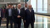Bakan Turhan, 20 özel gereksinimli bireyi YHT ile Eskişehir'e uğurladı (1)