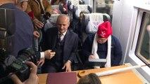 Bakan Turhan, 20 özel gereksinimli bireyi YHT ile Eskişehir'e uğurladı (2) - ANKARA