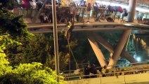 Hongkong: Eingekesselte Studenten trotzen der Polizei