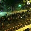 Hong Kong: Des manifestants toujours retranchés sur un campus
