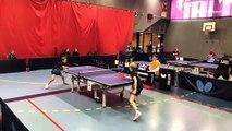 Un échange spectaculaire  entre deux joueurs de Ping-Pong
