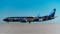 United Airlines' Star Wars-themed plane takes its first flight, Watch making video