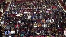 Şırnak protokolü öğretmenlerle birlikte türkü okudu