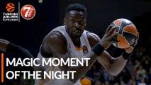 7DAYS Magic Moment of the Night: Michael Eric, KIROLBET Baskonia Vitoria-Gasteiz