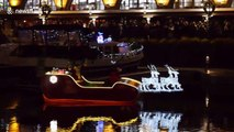 Santa sails into London to turn on Christmas lights