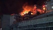 Kağıthane'de 4 katlı binanın en üst katı alev alev yanarak küle döndü