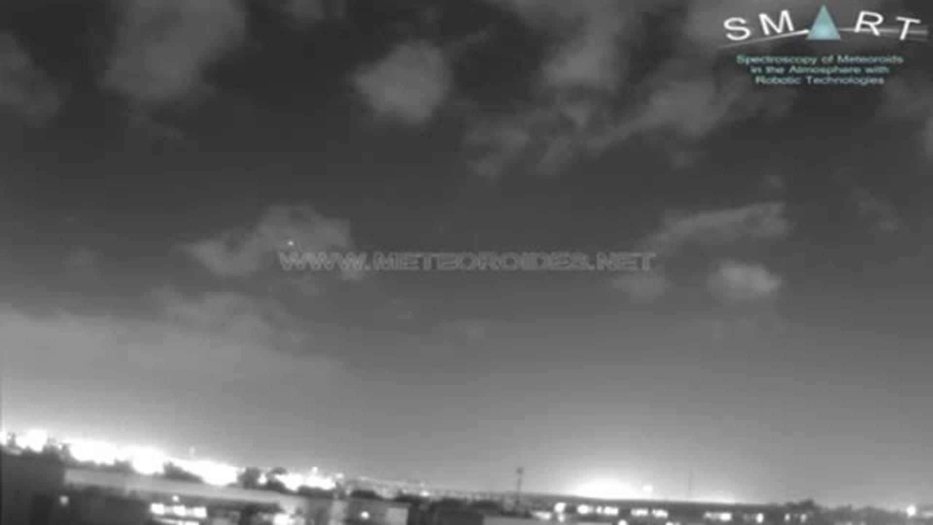 Una bola de fuego procedente de un cometa ilumina el cielo de Sevilla, Huelva y Badajoz