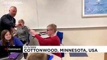 12 yaşındaki Jonathan renklerle tanıştığı an gözyaşlarını tutamadı