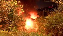 Eyüpsultan'da iki katlı gecekondu alev alev yandı