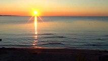 SOFT WAVES - Relaxing water sound - Peaceful nature - Relaxation - lullaby River lake ocean sea Welle موجة 波 웨이브 ola vague onda волна लहर gelombang คลื่น làn sóng onda Golf dalga plage Strand شاطئ بحر 海滩 바닷가 playa ビーチ praia пляж समुद्र तट pantai ชายหาด hq