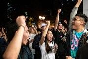 Hong Kong'da düzenlenen yerel seçim protestocuların lehine sonuçlandı