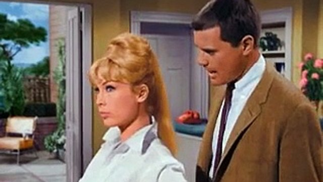 I Dream of Jeannie 1x01 The Lady in the Bottle 1