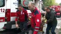 Fatih'te korkutan gecekondu yangını: 1 itfaiye eri yaralı