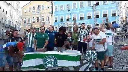 Torcedores do Coritiba fazem a festa no Pelourinho antes de decisão pela Série B