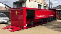 Assistez à la livraison d'une Ferrari... La grande classe
