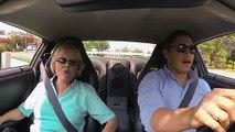 Quand Mamie fait un tour de Nissan GT-R... Sensation garantie