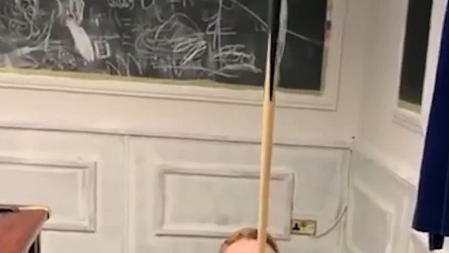 Could you balance a pint on pool cue?