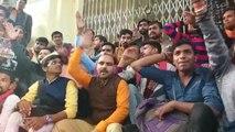 असिस्टेंट प्रोफेसर फिरोज खान की नियुक्ति को लेकर बीएचयू में छात्रों का एक बार फिर प्रदर्शन शुरू
