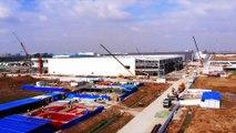 Usine TESLA géante en Chine : construite en 10 mois seulement !