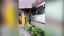 Ônibus invade rodoviária de Corbélia e várias pessoas ficam feridas