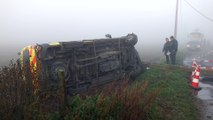 Herchie. A cause du brouillard une ambulance sur le flanc. 2 blessés légers.Video Eric Ghislain