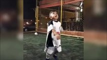 Cet enfant est un génie du foot...  futur champion