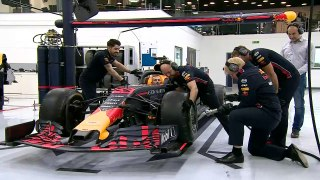 Boris Johnson changes F1 tyre in 16.5 seconds
