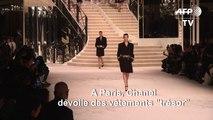 Chanel célèbre l'excellence des métiers d'art lors d'un défilé à Paris