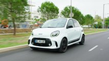 smart EQ forfour edition one in Ice white Driving Video