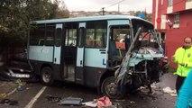 Gaziosmanpaşa Karayolları Mahallesinde yolcu minibüsü, ticari araç ve otomobilin karıştığı kazada 1'i ağır 3 kişi yaralandı. Yaralılar çevredeki hastanelere sevk edilirken polis ekipleri kazayla ilgili inceleme başlattı.