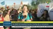 Chilenas se manifiestan contra la violencia a las mujeres