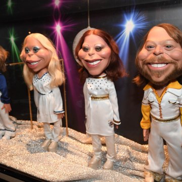 'Super Trouper': ABBA Exhibition To Open In London