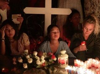 Exclu Public : Accompagnées de Laeticia, Jade et Joy au bout du rouleau sur la tombe de Johnny Hallyday !