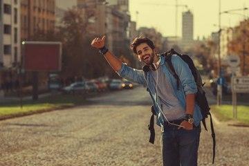 8 recomendaciones para tener éxito haciendo autostop