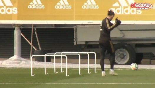 Vidéo : Gareth Bale mime du golf à l'entraînement du Real Madrid