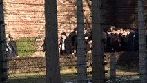 """Merkel sieht in Auschwitz-Gedenken """"festen Teil unserer nationalen Identität"""""""