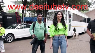 Warina Hussain's love on Auto. Look bright Young and peppy in a green top
