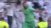 Karim Benzema anota el segundo para el Real Madrid ante el Espanyol