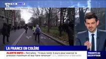 Gilets jaunes: le cortège avance à Paris, quelques tensions sont en cours