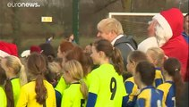 Boris Johnson lidera los sondeos con un 52% de los apoyos