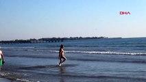 Antalya'da turistler aralık ayında deniz keyfi yaptı