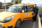 Polis dur ihtarına uymayan taksiyi kilometrelerce kovaladı! 3 kişi gözaltına alındı