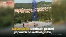 Basketbol grubundan tehlikeli trampolin gösterisi